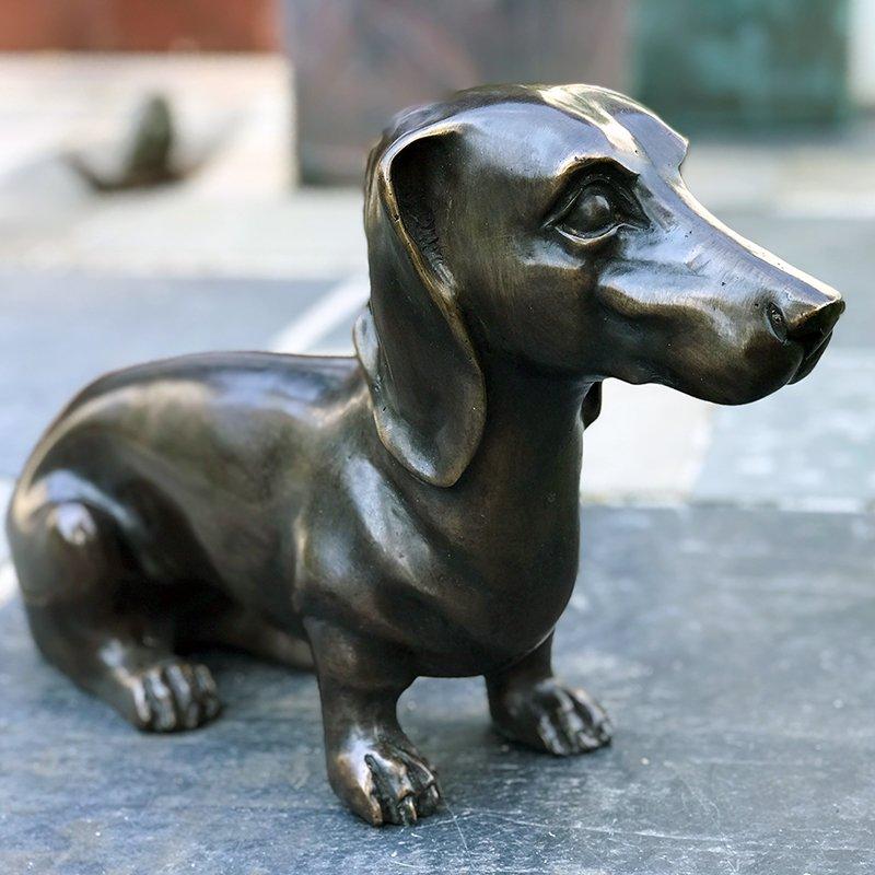 dachshund sculpture